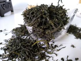 鉴别区分春茶、夏茶和秋茶的要点
