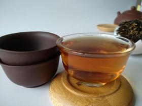 黄芪紫阳红茶饮