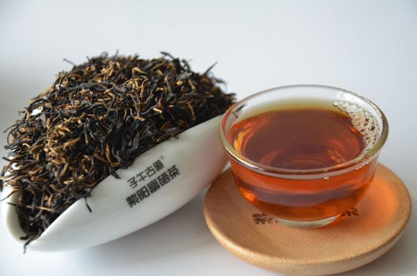 紫阳富硒红茶里面添加糖吗?